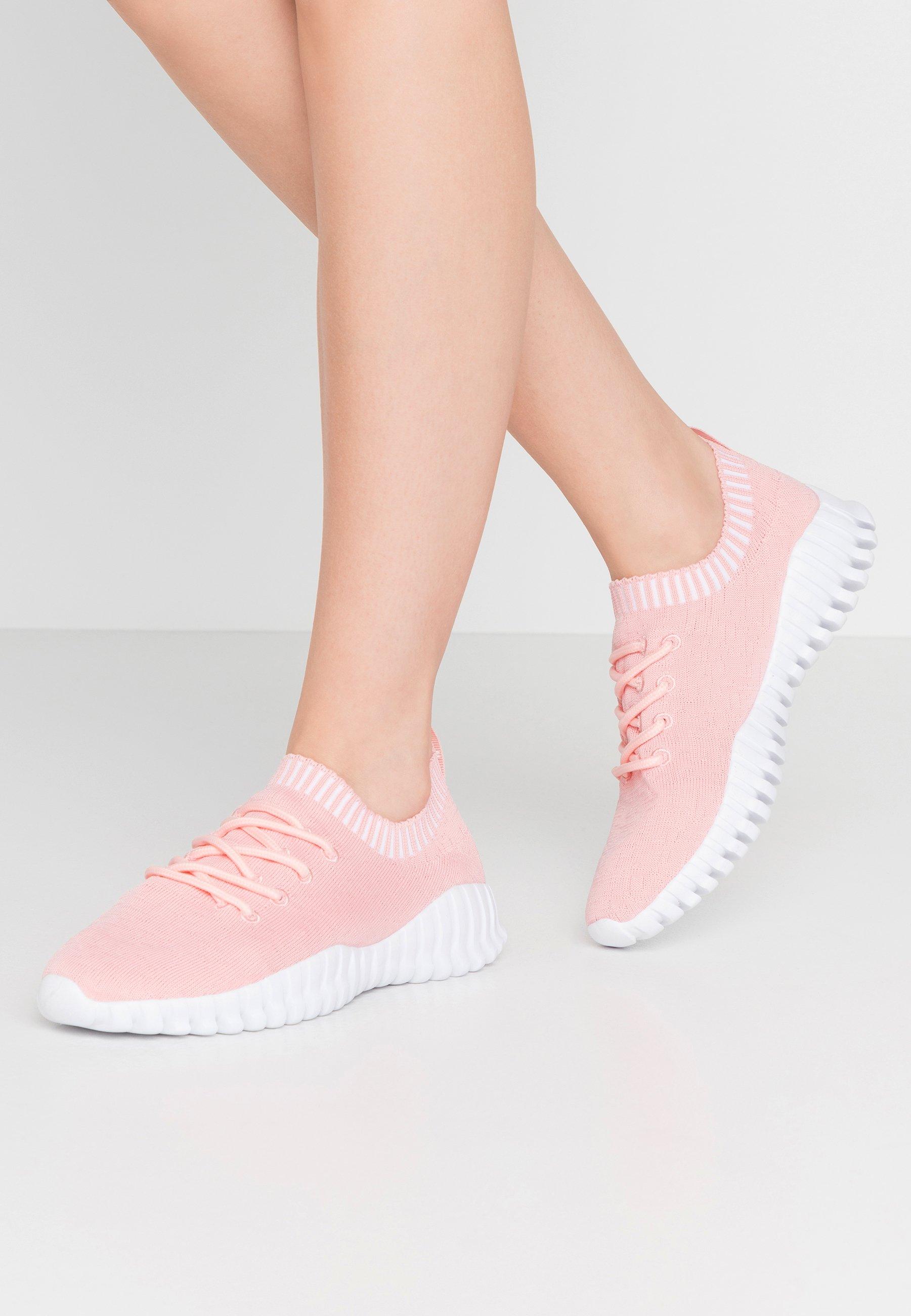 GRAVITY Sneakers blush