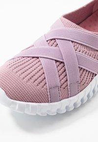 Bernie Mev - DAWA - Nazouvací boty - pink - 2
