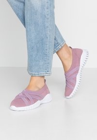 Bernie Mev - DAWA - Nazouvací boty - pink - 0