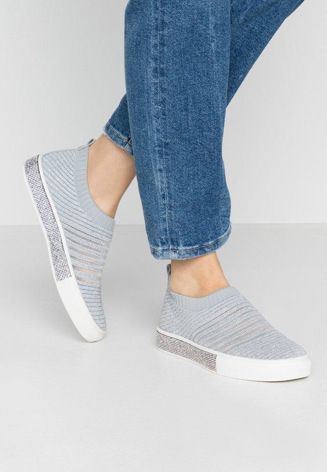 SPARK IRIS - Loaferit/pistokkaat - light grey/silver