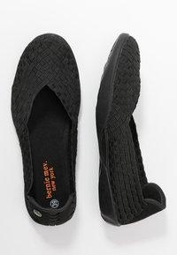 Bernie Mev - CATWALK - Nazouvací boty - black - 1