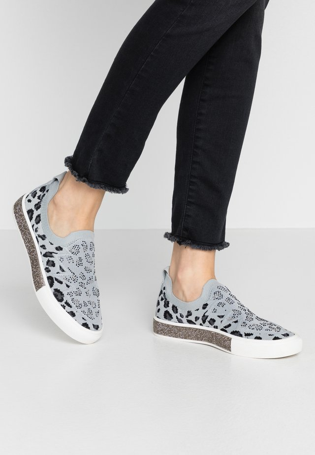 GARDENIA - Nazouvací boty - light grey/silver