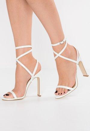 OPRAH - Sandalen met hoge hak - white