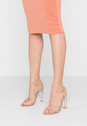 VESPER - Korolliset sandaalit - nude/pink