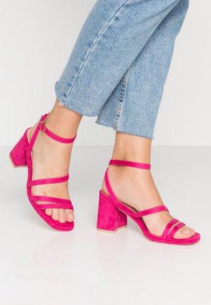 CLARITY - Sandaler med høye hæler - fuchsia