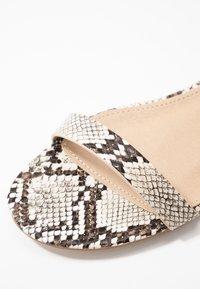 BEBO - HARPER - Sandaalit nilkkaremmillä - beige - 2