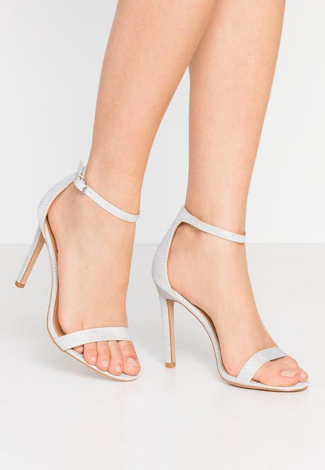 Højhælede sandaletter / Højhælede sandaler - silver shimmer