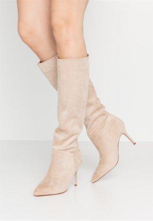 THEO - Støvler - nude