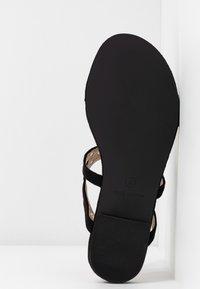 BEBO - MORA - Sandály s odděleným palcem - black - 6