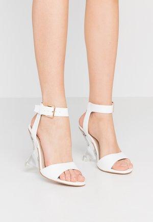 CAMILLA - Sandály na vysokém podpatku - white