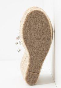 BEBO - VILLA - Sandaler med høye hæler - clear/silver - 6