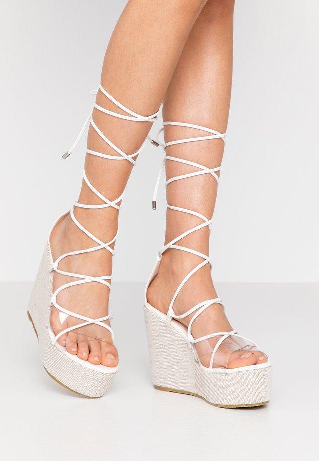 SANDIE - Sandály na vysokém podpatku - white