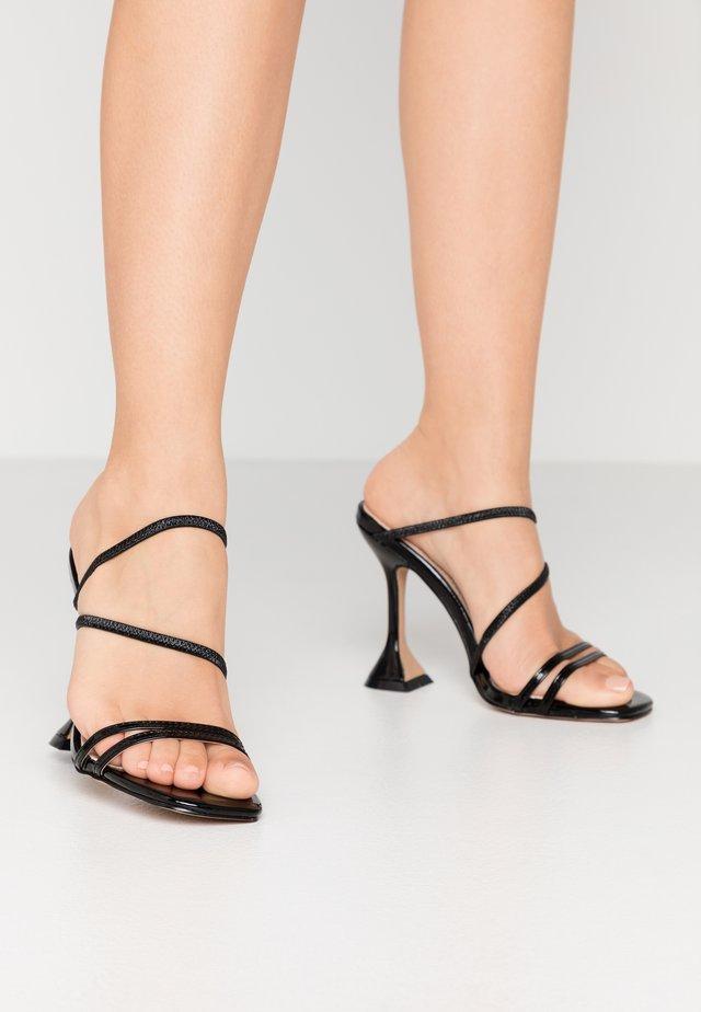 CRISTINA - Slip-ins med klack - black