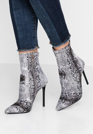 TRINNIE  - High heeled ankle boots - grey