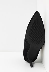 BEBO - MALIKA - Botines de tacón - black - 6