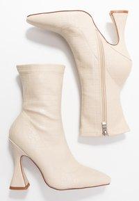 BEBO - NOAH - Kotníková obuv na vysokém podpatku - nude - 3