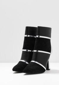 BEBO - LAVETA - Kotníková obuv na vysokém podpatku - highshine silver metallic - 4