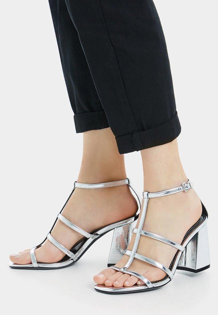 Bershka - High Heel Sandalette - silver