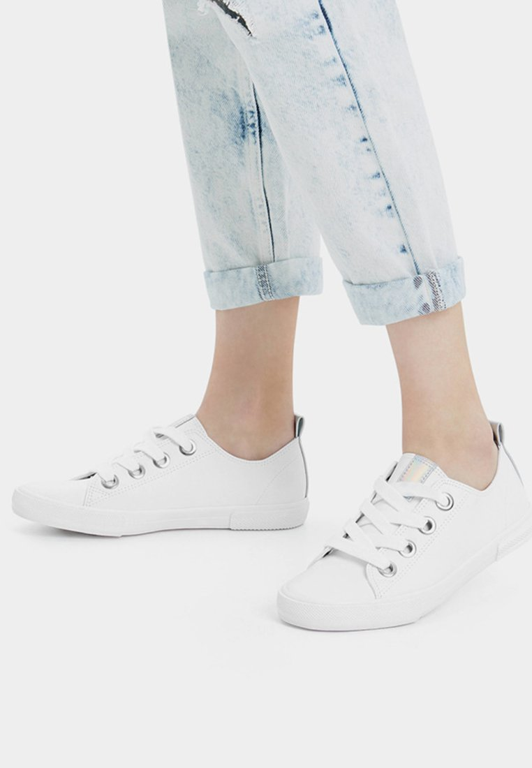 Bershka - Sneakersy niskie - white