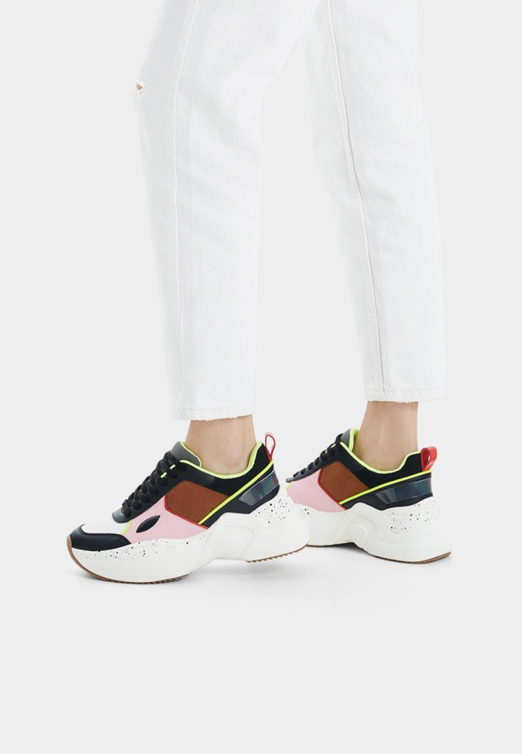 Bershka - MIT XL-SOHLE  - Matalavartiset tennarit - multi-coloured