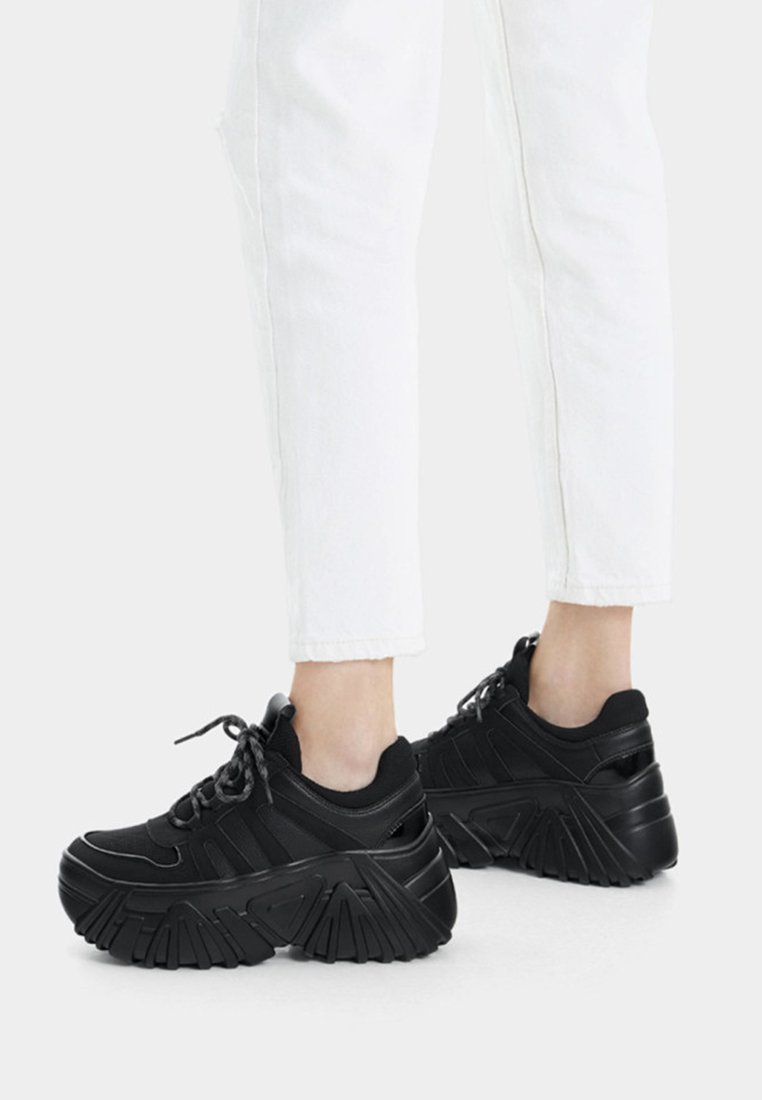 Bershka - Trainers - black