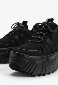 Bershka - Trainers - black - 5