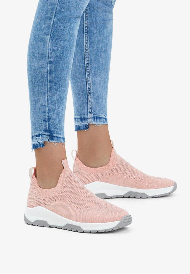 Bershka - NETZSTOFF - Sneakers laag - rose