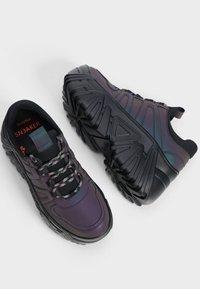 Bershka - Sneakersy niskie - black - 2