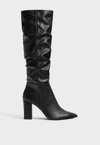 Bershka - Laarzen met hoge hak - black - 4