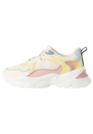 KOMBINIERTE SNEAKER MIT CHANGIERENDEN DETAILS 11510560 - Sneakers basse - white