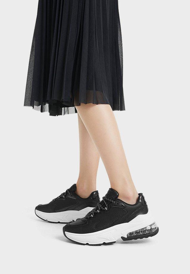11538560 - Sneakers - black
