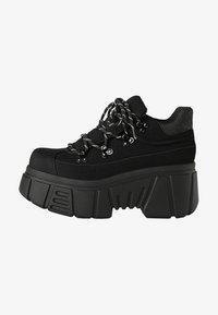 Bershka - SPORTLICHE STIEFELETTEN MIT XL-SOHLE 11542560 - High-top trainers - black - 1