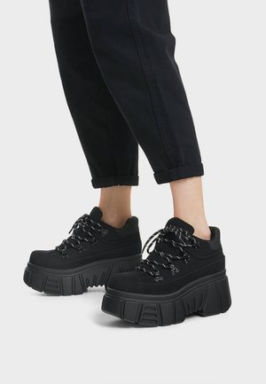SPORTLICHE STIEFELETTEN MIT XL-SOHLE 11542560 - Sneakersy wysokie - black