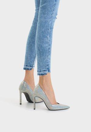 Sandály na vysokém podpatku - multi-coloured