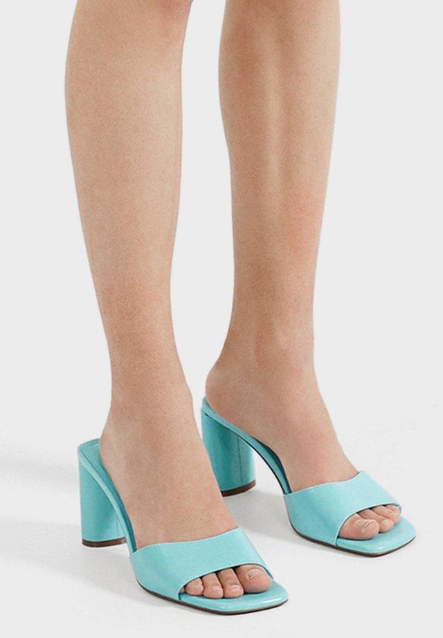 High heeled sandals - light blue