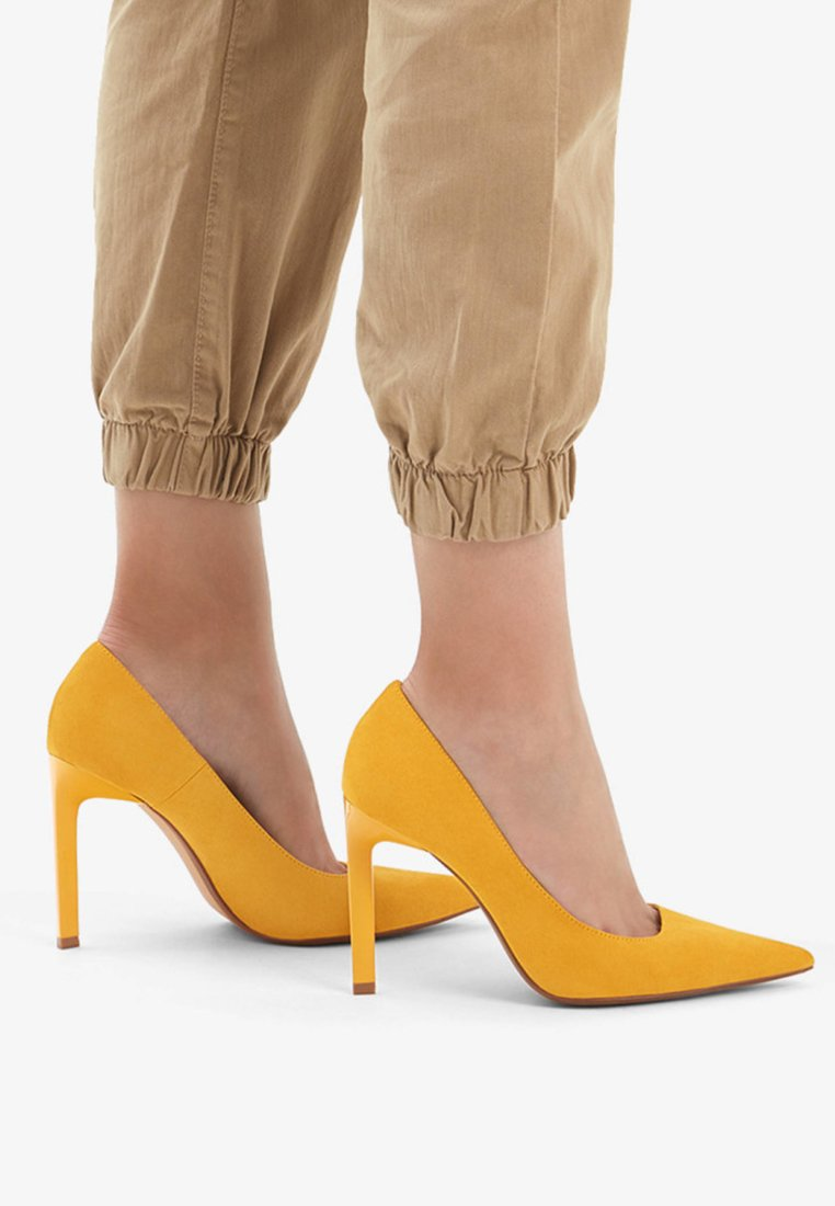 Bershka - High heels - ochre