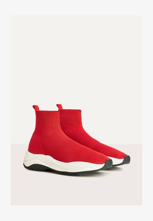 MIT ELASTISCHEM SCHAFT  - High-top trainers - red