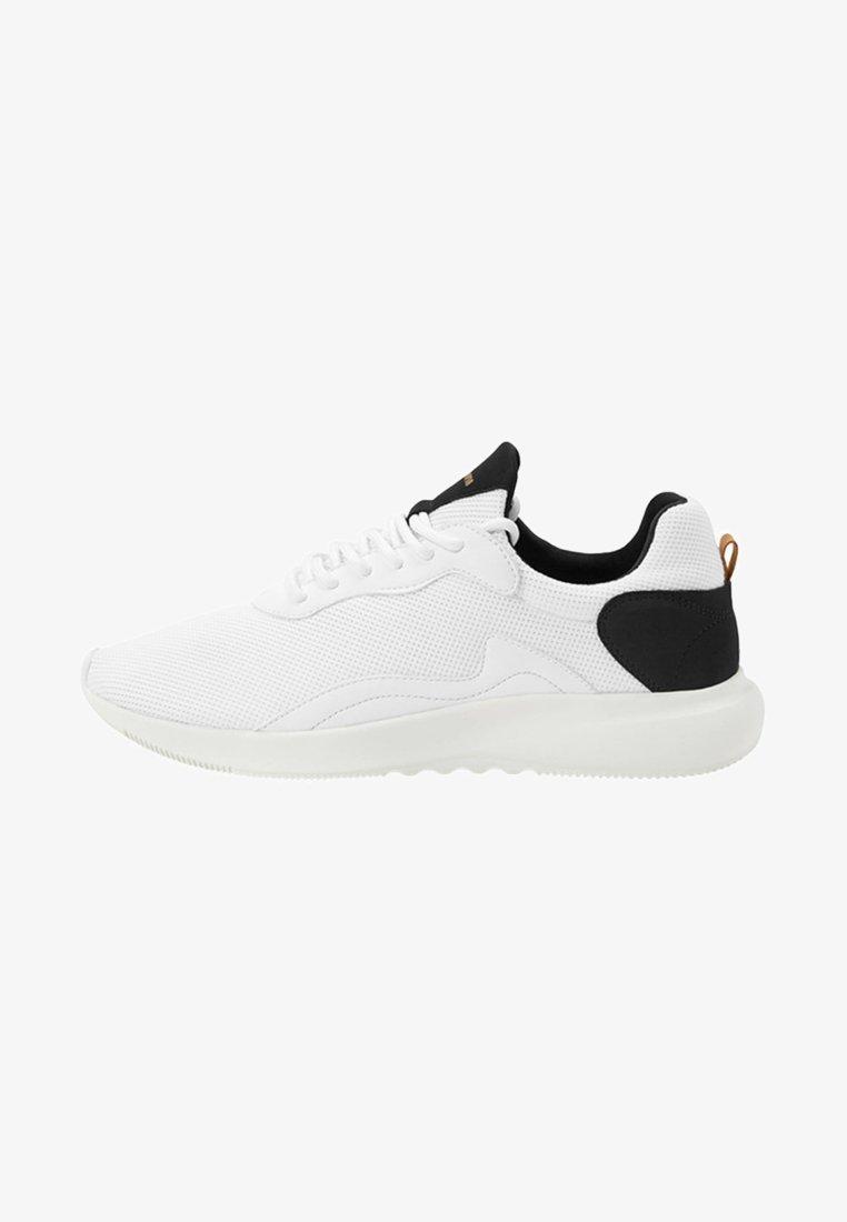 Bershka - MIT ELASTISCHEM SCHAFT  - Sneaker low - white