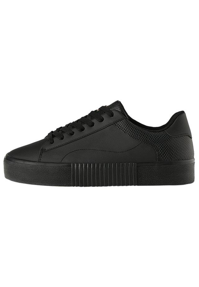 MIT TIERPRÄGUNG - Sneakers - black