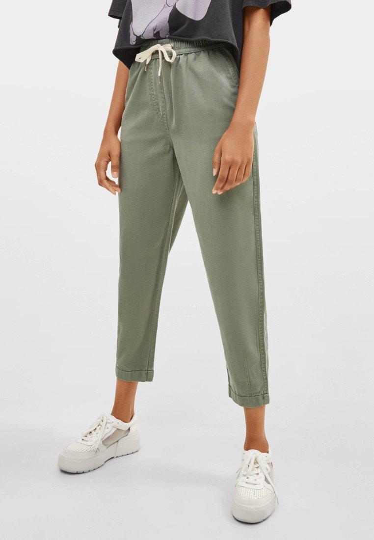 Bershka - Pantaloni sportivi - khaki