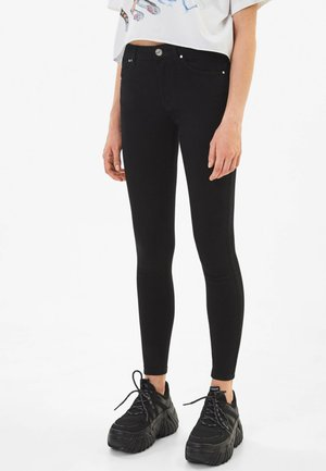IM PUSH-UP-SCHNITT - Jeansy Skinny Fit - black