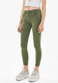Bershka - Jeans Skinny - khaki - 0