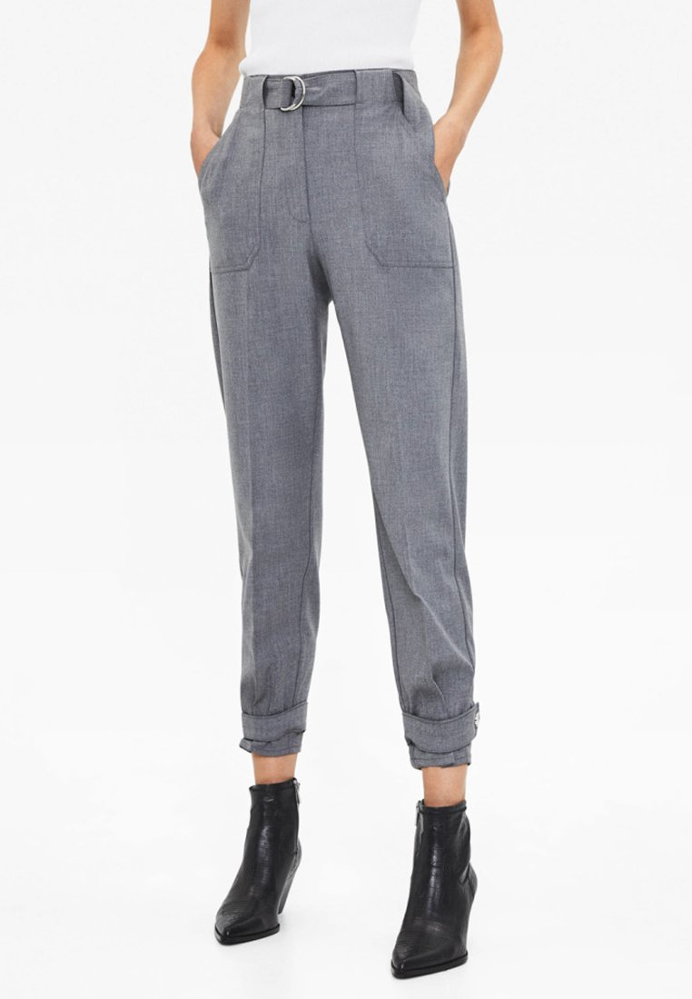 Bershka - MIT GÜRTEL  - Pantaloni - grey