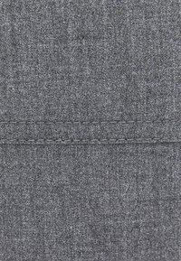 Bershka - MIT GÜRTEL  - Pantaloni - grey - 4