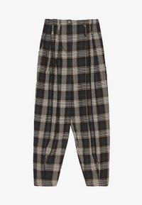 Bershka - KARIERTE - Spodnie materiałowe - black - 5