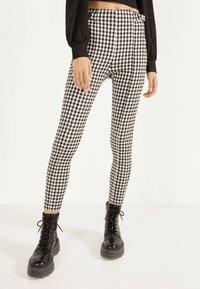 Bershka - MIT SCHNALLEN - Leggings - Trousers - grey - 0