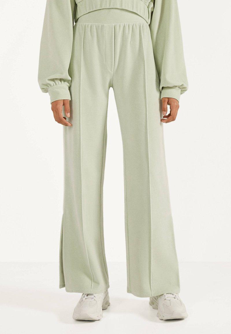 Bershka - Pantalon classique - turquoise