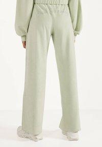 Bershka - Pantalon classique - turquoise - 2