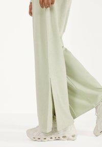 Bershka - Pantalon classique - turquoise - 3
