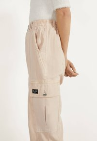 Bershka - Pantalon classique - mottled beige - 3